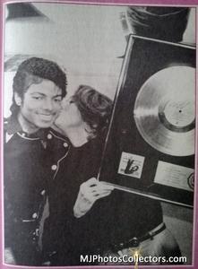 1983 Thriller Certified Platinum Th_948060983_med_gallery_72_119_827476_122_407lo