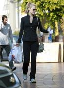 Али Лартер, фото 2585. Ali Larter - At the CVS Pharmacy in West Hollywood - 02/20/12, foto 2585