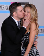 http://img248.imagevenue.com/loc521/th_17090_Luisana_Lopilato_at_2010_American_Music_Awards5_122_521lo.jpg