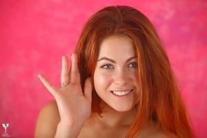 http://img248.imagevenue.com/loc54/th_307046365_tduid300163_silver_angels_Sandrinya_I_pinkdress_1_196_123_54lo.jpg