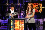 Candace Bailey - AOTS! Screwing Around with an Imitation Portal Gun (13xUHQ)