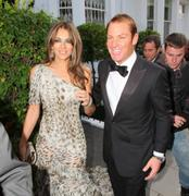 Элизабет Харли, фото 2288. Elizabeth Hurley Elton John's White Tie and Tiara Ball JUNE-23-2011, foto 2288