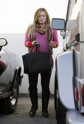 http://img248.imagevenue.com/loc570/th_834098688_Hilary_Duff_leaving_the_doctors_office20_122_570lo.jpg