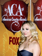 http://img248.imagevenue.com/loc589/th_24113_Kaley_Cuoco_at_American_Country_Awards1_122_589lo.jpg
